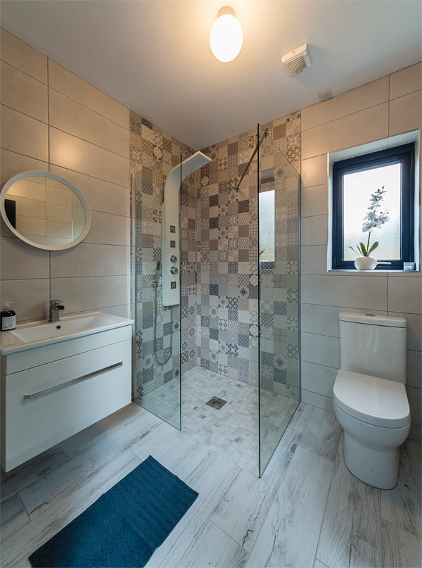 Featherbed House shower and toilet